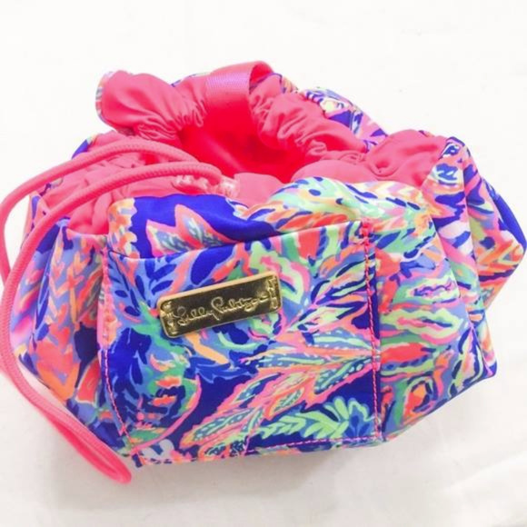 Surprising Lilly Pulitzer Drawstring Makeup Pouch Nwt Uwap Interior Chair Design Uwaporg